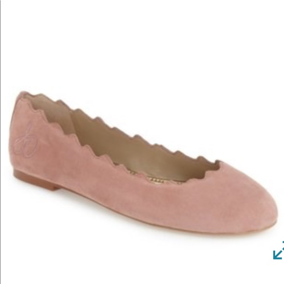 9b9c6a2e9c95d5 Sam Edelman Francis Scalloped Flat in Pink Suede. M 5acd85ae61ca101ce10ae1ad